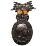 Coburg-Silberne-Carl-Eduard-Medaille-Schwerterspange-1915-Datumsband-1