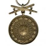 Hohenzollern-Goldene-Ehrenmedaille-Schwerter-1